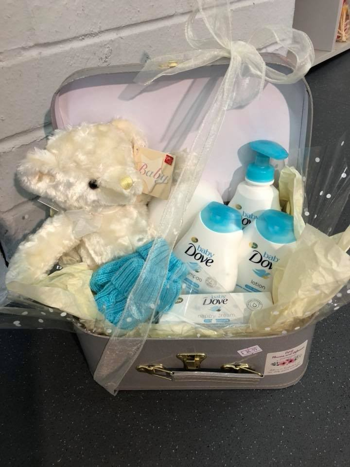 Neutral baby toiletry gift hamper