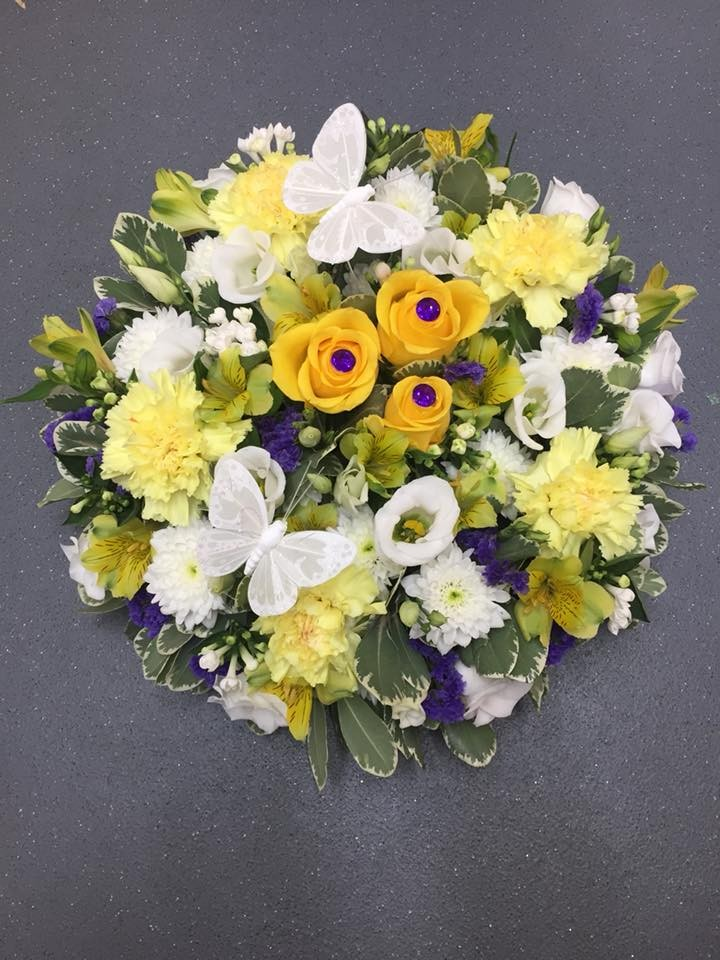 Bright and cheerful posy pad